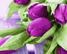 Тюльпаны на столе. Без коробки